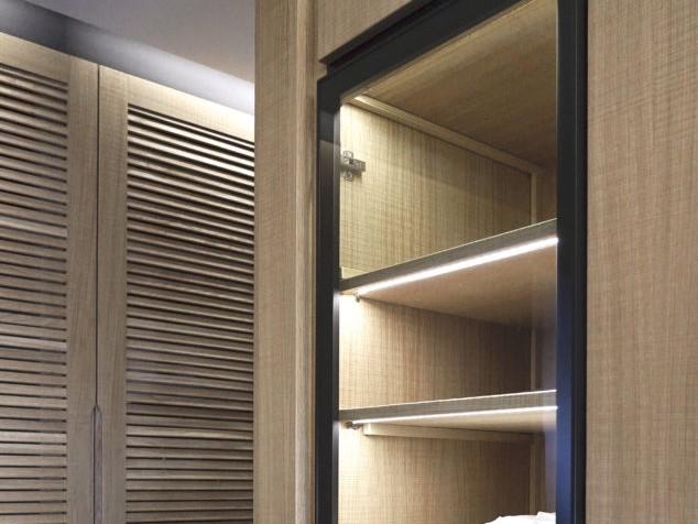 closet_det1_43